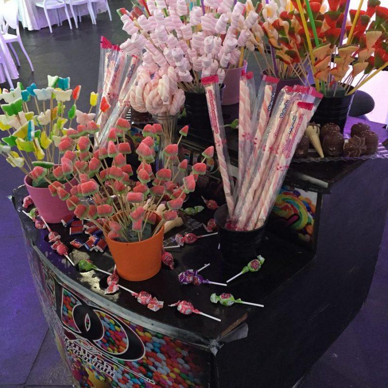 בר אופן - מתוקים על גלגלים עם מגוון ממתקים וסוכריות